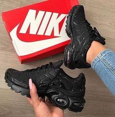 Mens/Womens Nike Shoes 2016 On Sale!Nike Air Max* Nike Shox* Nike Free Run Shoes* etc. of newest Nike Shoes for discount sale Nike Air Max Plus, Tenis Nike Air Max, Nike Shox, Dr Shoes, Cute Shoes, Me Too Shoes, Shoes Sneakers, Roshe Shoes, Sneaker Heels