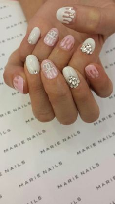 Dripping chanel nails