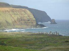 Ahu Tongariki, desde Rano Raraku. Rapa Nui, Chile.