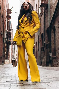 Progress Not Perfection Business Fashion, Office Looks, Work Outfits, Zara Haul 2019, Teacher Outfits,Stitch Fix, Gucci Bag, Black Blogger, African Blogger, Oversized Blazer, Business Women, Dreamer, Zara Yellow Suit, Black Girl Hairstyles, Casual Looks, Fall Fashion, Boss Babe, Boss Women, Fendi, How to style suits, Spring Fashion, Spring Trends 2019, Zara