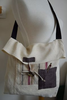 Antic+linen+flap+bag+by+Ruedescoquelicots+on+Etsy,+€39.00 Nice idea for woven fabric samples.