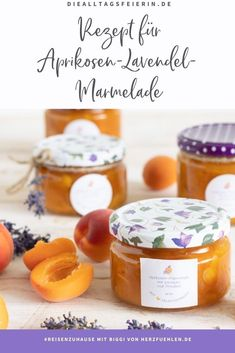 Aprikosen-Lavendel-Marmelade mit Mandeln. Rezept für #reisenzuhause mit Biggi von herzfuehlen.de Croissant, Provence, Cantaloupe, Place Card Holders, Fruit, Food, Bakery Business, Kuchen, Artichokes
