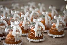 mini cakes to go Mini Tortillas, Elegant Desserts, Mini Desserts, Mini Cakes, Cupcake Cakes, Bundt Cakes, 40th Birthday Favors, Dessert Packaging, Baking Business