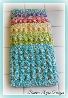 Mogelijke badmat?Using 2 strands of cotton yarn this …