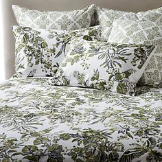 Duvet for the foot of the bed and king shams.
