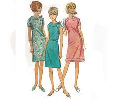 1960s woman dress pattern Simplicity 6509 size 16 by AingelsAttic