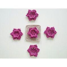 cronchet Definitivamente la pista 7 de la #dropsmysteryblanketcal del #dropscal es mi favorita... adoro las #rosas silvestres.  Definetely clue 7 is my favourite from #themeadow I love wild #roses  #blanket #manta #grannysquare #flowers #crochetaddict #instacrochet #crochetersofinstagram #ganchillo #flores