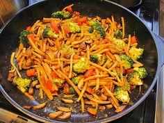 Gemüsepfanne mit Sprossen
