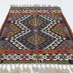 Small vintage kilim rug hand-woven in Antalya, Turkey in This tribal kilim is in very good condition. Boho Decor, Bohemian Rug, Antalya, Carpet Runner, Turkish Rugs, Kilim Rugs, Carpets, Vintage Rugs, Hand Weaving