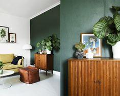 Afbeeldingsresultaat voor groen blauwe muur zwarte kast