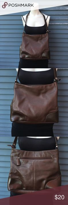 TIGNANELLO- authentic brown leather purse TIGNANELLO- authentic brown leather purse Tignanello Bags Shoulder Bags
