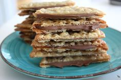 The cracker flakes with milk chocolate <-> Boston Cream Pie, Fudge Brownies, How To Make Bread, What To Cook, Cupcake Cookies, Sugar And Spice, No Bake Desserts, Yummy Treats, Food Porn