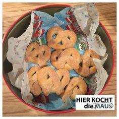 Weihnachtsbrezel-Martinsbrezel mit Zucker und Zimt wie frisch vom Bäcker. Selbstgemacht von hierkochtdiemaus-foodblog.de Weihnachtsbäckerei