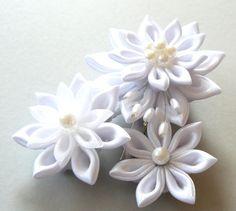 White Bridal Kanzashi Fabric Flower hair clip . Bridal by JuLVa