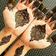 Unique And Easy Mehndi Design Latest Images For Back Hands 2019 Arabic Bridal Mehndi Designs, Pretty Henna Designs, Mehandi Design For Hand, Mehndi Designs For Girls, Simple Mehndi Designs, Hena Designs, Easy Mehndi, Mehndi Desing, Mehandi Henna