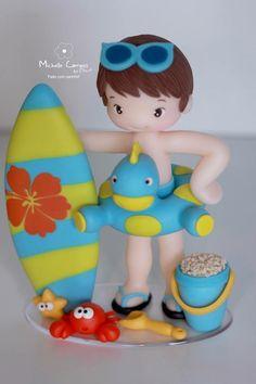 Topo de bolo praia Baby Crafts, Diy And Crafts, Piscine Diy, Sea Cakes, Fondant Figures, Miniature Crafts, Cold Porcelain, Cake Art, Cake Toppers