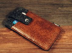 Hey, I found this really awesome Etsy listing at https://www.etsy.com/listing/207469487/felt-leather-nexus-6-case-nexus-6-case