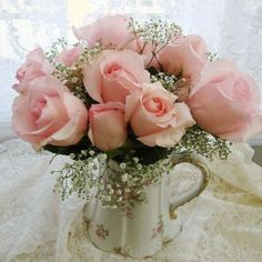 I love this Pink Rose arrangement! Love Rose, Fresh Flowers, Pretty Flowers, Pretty In Pink, Pink Flowers, Coming Up Roses, Deco Floral, Rose Cottage, Beautiful Roses