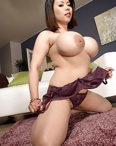 Xxx big titted moms