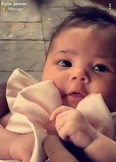 Kylie Jenner's Baby Stormi at First Easter Party - Kardashian Easter Party Decor Kylie Jenner Workout, Kylie Jenner Baby, Jenner Kids, Travis Scott Kylie Jenner, Kyle Jenner, Cute Little Baby, Little Babies, Cute Babies, Beautiful Children