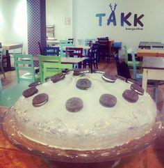 """El Takk (""""Gracias"""" en Islandés) es una hamburgueseria con una decoración única entre urbana y vintage situada en la Calle Bolonia, muy cerca del Camino de las Torres y de la Plaza Albert Schewitzer."""