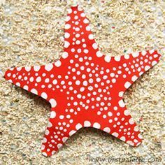 Paper plate starfish craft-- directions and plate template at http://www.firstpalette.com/Craft_themes/Animals/paperplatestarfish/paperplatestarfish.html