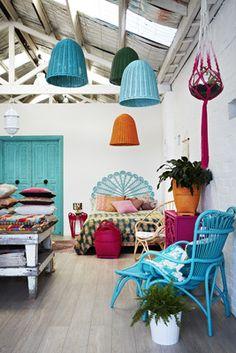 Lámpara IKEA pintarla en el color de la habitación, poner más de una