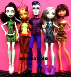 "We Are Monster High 5 pack- sold at Target. Featuring Scarah Screams, Gilda Goldstag, Sloman ""Slo-mo"" Mortavitch, Lagoona Blue, and Cleo De Nile."