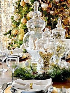 Gold And White Christmas Décor Ideas 10