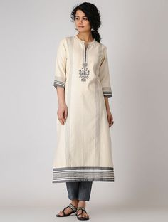 Pakistani Outfits, Indian Outfits, Semi Casual Dresses, Casual Wear, Salwar Pattern, Kurta Neck Design, Embroidery Neck Designs, Kurti Collection, Ethnic Wear Designer