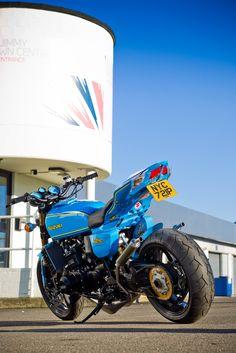 Suzuki GT750 custom 'Rizla' Street Fighter Motorcycle, Suzuki Motorcycle, Motorcycle Design, Suzuki Gt 750, Suzuki Bikes, Gsxr 1000, Old Bikes, Cool Motorcycles, Honda Cb