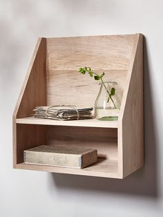 Made from natural solid oak, this uncomplicated box unit features a gently sloped front and two levels of shelving. Easy to display with fixtures and fittings included, why not use two either side of a bed as space saving alternative to bedside tables?
