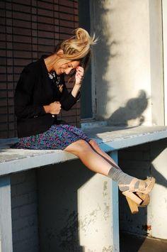 The Socks With Heels & Knee-High Socks Trends Knee High Socks Outfit, Clogs, Fishnet Socks, Socks And Sandals, Urban Looks, Short Socks, Girls Socks, Dress And Heels, Long Sweaters