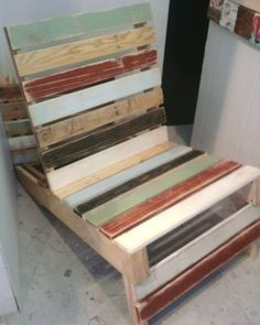 Pallet Chair...i want this !!!