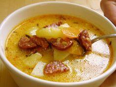 A krumplileves készítésénél a következő fűszereket szeretem  használni: babérlevél, szerecsendió, zellerlevél, tárkony. Próbáljátok  ki ezekkel is.