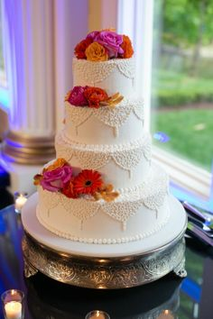 Romantic Spring Wedding Cakes with flowers, valentine's day wedding ideas 2014 www.loveitsomuch.com