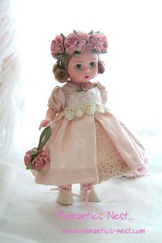 flower girl LOVED my Madame Alexander dolls! Pretty Dolls, Cute Dolls, Beautiful Dolls, Doll Toys, Baby Dolls, Dolls Dolls, Antique Dolls, Vintage Dolls, Little Doll