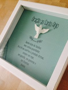 Quadro decorativo tamanho 22x22 com oração. As oraçoes podem ser modificadas, bem como as cores do quadro First Communion Decorations, Painting On Wood, Painting Frames, Book Posters, Diy Frame, Shadow Box, Girl Room, Paper Dolls, Diy Gifts
