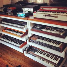 Recording Studio Setup, Home Studio Setup, Music Studio Room, Loft Studio, Music Room Organization, Country House Design, Instruments, Studio Furniture, New Room