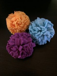 Fleece Pom Poms are safe and versatile toys that are great additions to any small pet setup. They are favorites of Sugar Gliders, Rats, Hedgehogs, Guinea Pigs, Marmosets, and other small pets who need safe choices for enrichment in their environments. Made entirely from high quality fleece fabric, there are no threads or fibers that can snag nails or cause choking hazards. Pom Poms make great additions to ball pits, toy baskets, or may simply be added loose in the cage or used during play…