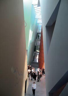 Musée Hergé, C. de PORTZAMPARC