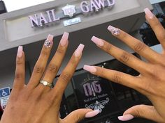Bam bam thank ya ma'am ✨ booking is available online ✨ link is located in bio ✨ www.nailgawdbydmarie.com ✨ sculpture fullset ❣ #acrylicsystems #gawdesspink #nailgawd #nailartist #nailgawdacrylicsystems #nailgawdstudios #naildesigns #nailart #nailitdaily