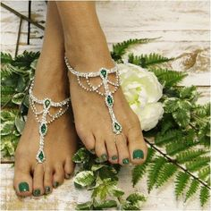 Emerald green barefoot sandals, the perfect green foot jewelry for your Irish wedding. Elegant emerald green jewels and silver rhinestone barefoot sandalsadd a little luck to your beach wedding. Our e