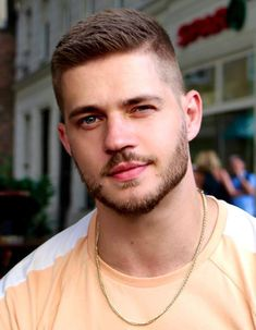 Haircuts For Wavy Hair, Cool Hairstyles For Men, Curly Hair Men, Cool Haircuts, Haircuts With Beards, Short Hairstyles For Men, Short Hair With Beard, Hair And Beard Styles, Mens Short Fade Haircut