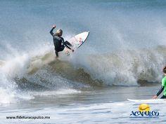 #infoacapulco El surf es uno de los deportes acuáticos más importantes de Acapulco. INFO ACAPULCO. Uno de los deportes más importantes de Acapulco es el surf, tanto que se llegan a organizar diferentes concursos y competiciones en sus playas e incluso, cuenta con una importante fábrica de tablas de surf en la Zona Diamante. Visita la página oficial de Fidetur Acapulco, para obtener más información.