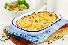 """Fløtegratinerte poteter er et """"must"""" bl.a. til påskemiddagen. Men den kan også være en liten rett i seg selv ved bl.a. å blande inn andre grønnsaker. Macaroni And Cheese, Ethnic Recipes, Food, Mac And Cheese, Eten, Meals, Diet"""