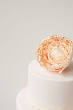 #wedding #cake #flower #2tier