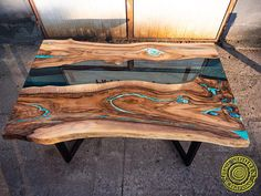 Live edge river dining table with turquoise glowing resin - Table design - Resin Wood Resin And Wood Diy, Wood Resin Table, Epoxy Resin Table, Resin Table Top, Into The Woods, Live Edge Wood, Live Edge Table, Woodworking Patterns, Woodworking Plans