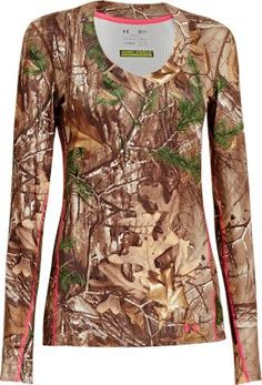 With next-to-skin softness, Under Armour's Women's ColdGear Infrared Scent Control Evo V-Neck Long-Sleeve Shirt delivers undeniable comfort and superior scent control. LOVE MY UNDER ARMOUR Camo Outfits, New Outfits, Casual Outfits, Hunting Clothes, Camo Clothes, Hunting Stuff, Hunting Girls, Country Girls, Country Life