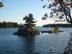 I want to live there (the thousand islands, canada)  my own private island! yes please!!